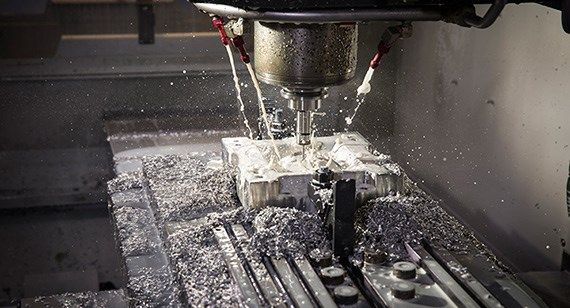 milling an aluminum tool for injection molding